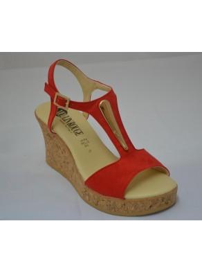 Sandalo Estate 2017 Modello Casual in camoscio rosso. By Moulin Rouge